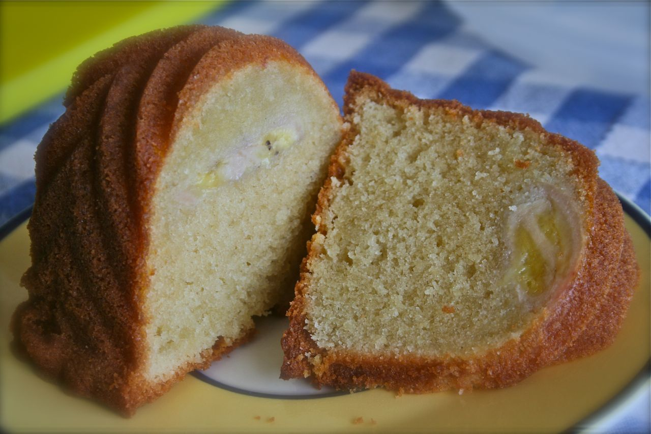 Italian Almond Pear Cake With Cream